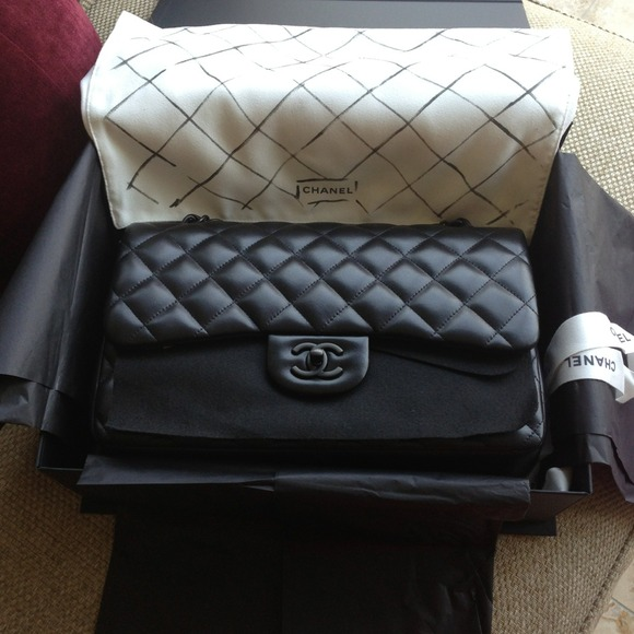 wpid Chanel So Black Jumbo Bag 2013 Edition - The Chanel So Black Bag Collection Reference Guide