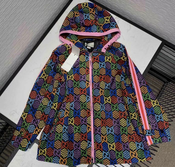 IMG 200415y5 1 cr 700x668 - Gucci GG Psychedelic Collection 2020