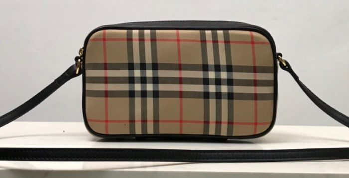 IMG 200715a 51 ccr 700x357 - Burberry Small Vintage Check and Leather Camera Bag 2020