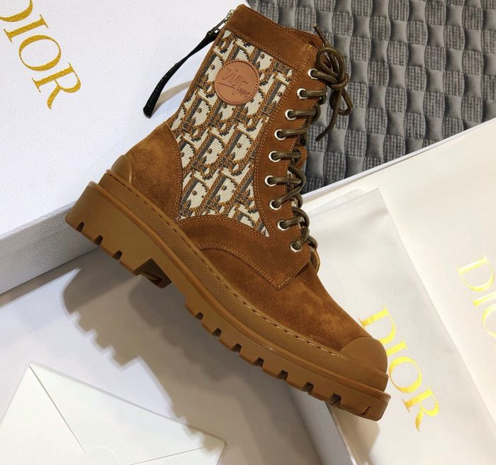IMG 200821a 84 cr 700x656 - Dior Explorer Ankle Boots 2020