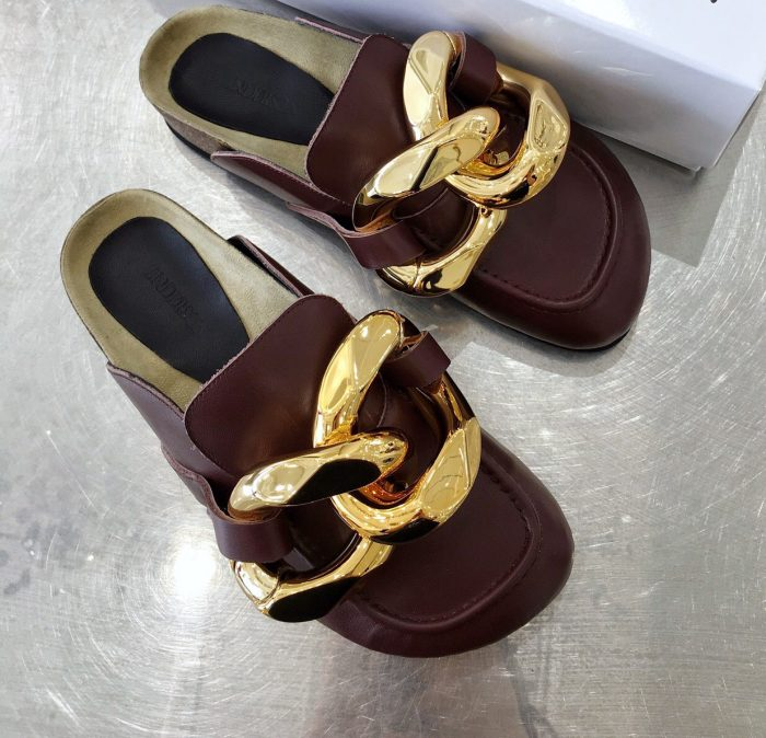 IMG 200902h 23 cr 700x674 - JW Anderson Chain Loafer Mules