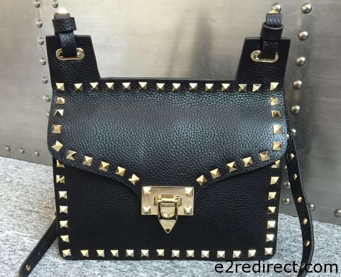IMG 4405 cr 700x569 - Valentino Grained Leather Rockstud Round Flap Shoulder Bag 2015/2016