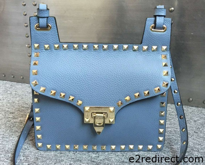 IMG 4423 cr 700x562 - Valentino Grained Leather Rockstud Round Flap Shoulder Bag 2015/2016