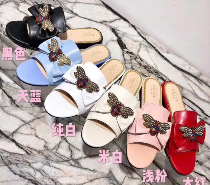 IMG 5891 cr 1 700x616 - Gucci Leather Bow With Metal Bee Slides 524639 2018