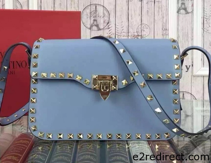 IMG 8078 cr 700x540 - Valentino Rockstud Round Flap Shoulder Small Bag 2015/2016