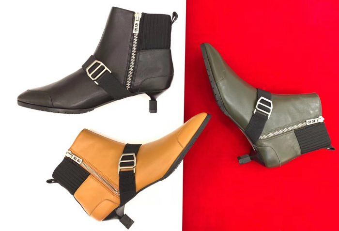IMG 81108b 103 cr 700x477 - Hermes Shocky Ankle Boots 2018