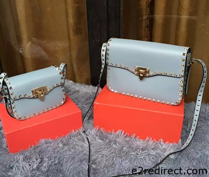 IMG 8131 cr 700x595 - Valentino Rockstud Round Flap Shoulder Small Bag 2015/2016