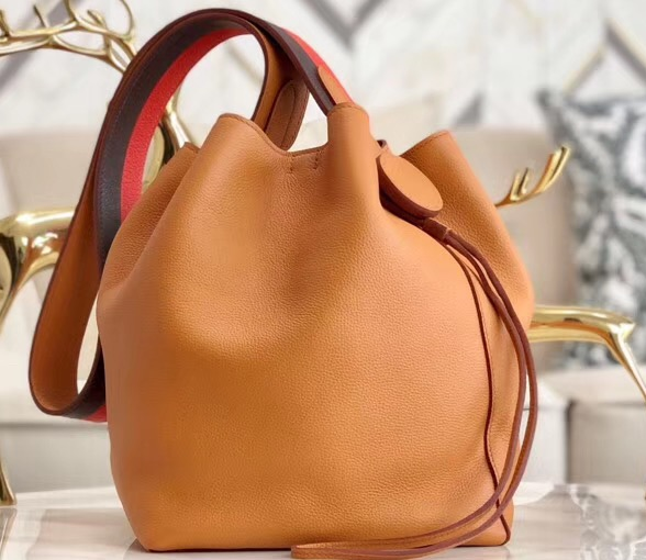 IMG 90628h2 10 cr - Hermes Licol 17 Bucket Bag In Evercolor Calfskin Bicolor Leather 2019