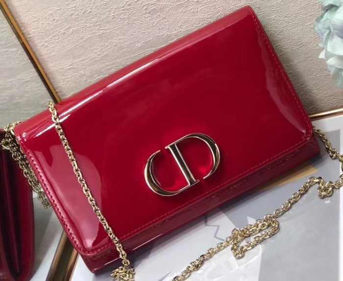 IMG 91223a 196 cr 700x572 - Dior 30 Montaigne Patent Calfskin Wallet on Chain Bag 2020
