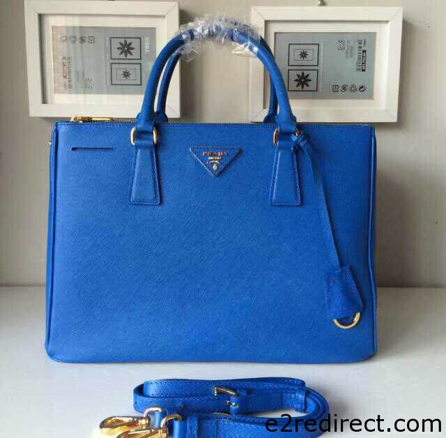 IMG 9579 cr - Which Prada Saffiano Lux Tote Bag Is The Best Size