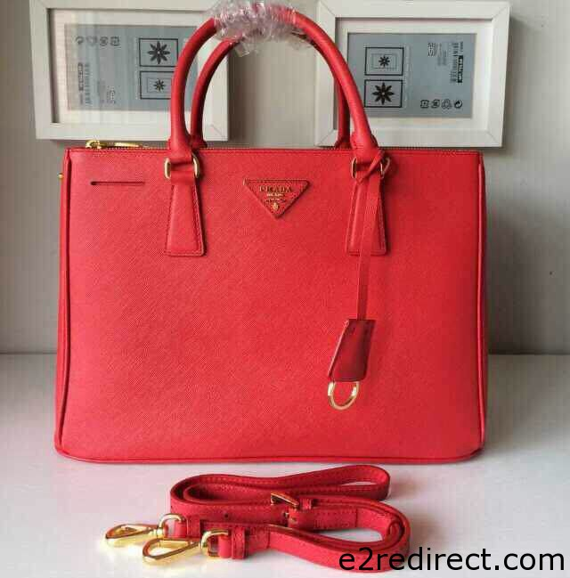 IMG 9602 cr - Which Prada Saffiano Lux Tote Bag Is The Best Size