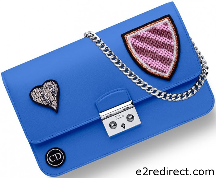 Miss Dior Large Heart Badges Promenade Pouch 5 700x579 - Miss Dior Large Heart Badges Promenade Pouch
